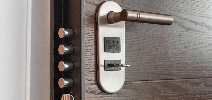 Seguridad en puertas contra robos